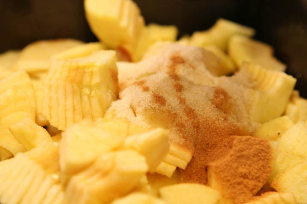 sliced apples and sugar
